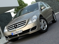 Mercedes R class (2007) 3D Model
