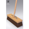 07 59 17 585 garden broom closeup 4